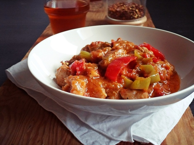 Drunken-meat-stew-MpekriBekri-Meze