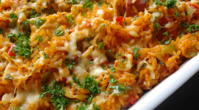 Rijst-met-kip-en-chorizo-uit-de-oven