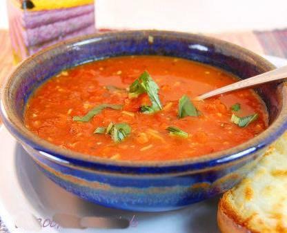 prei-tomatensoep-parmezaan-pijnboompitjes